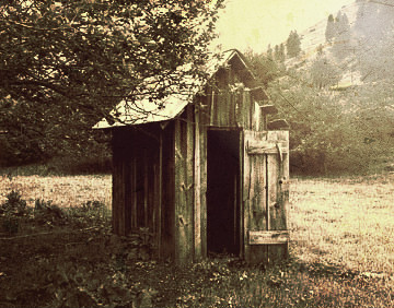 SummitCreekouthouse