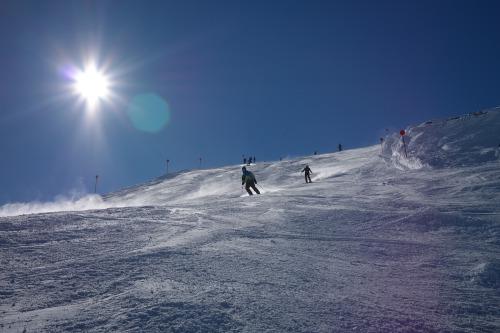 ski-area-999212_1920